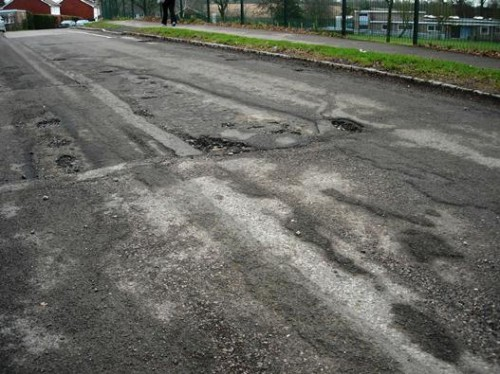 downsview_crescent_potholes