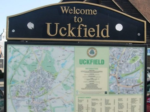 welcome_to_Uckfield_sign