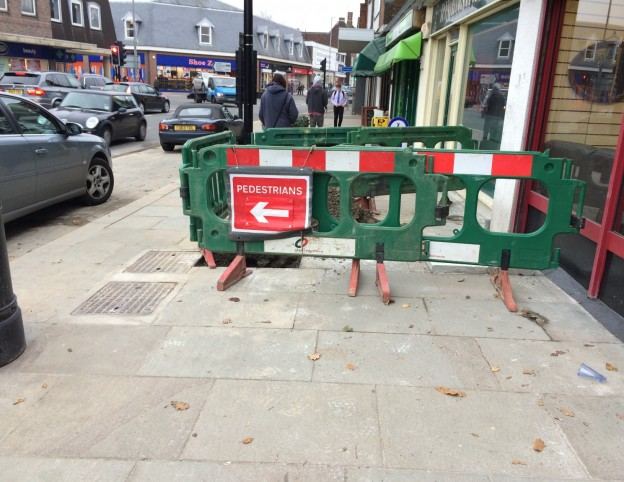 new-hole-in-footway-1