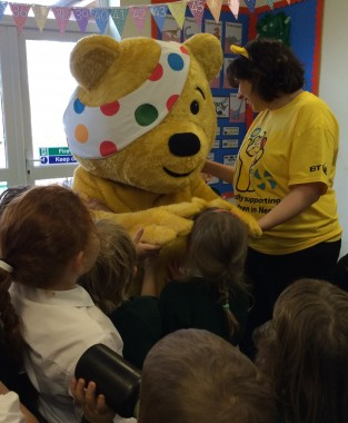 pudsey-buxted-head-patting