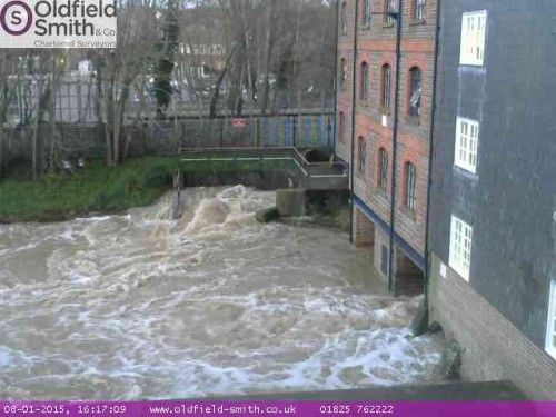 river-uck-web-cam-16-17