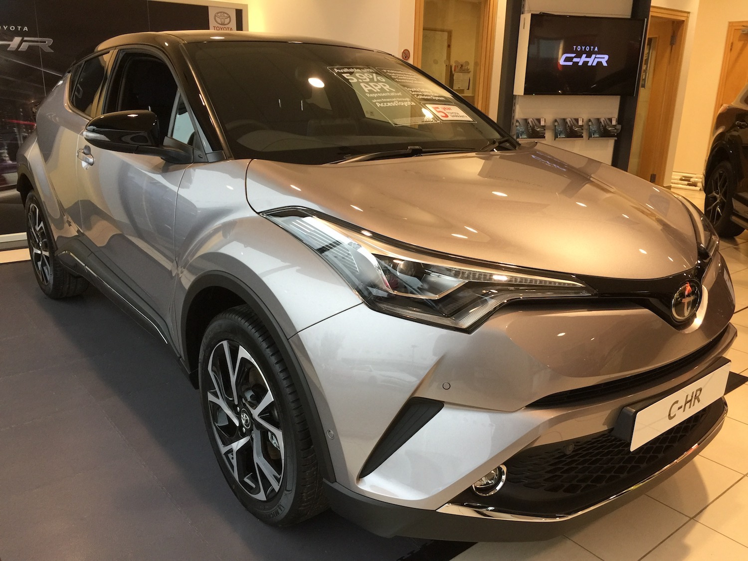 slm-toyota-all-new-c-hr