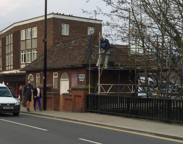 scaffolding-old-loos