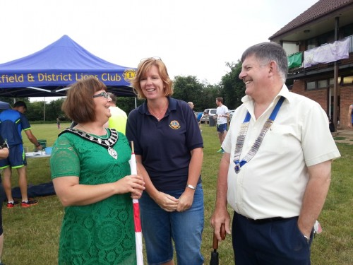 Town mayor Cllr Louise Eastwood with Uckfield Lions president, Graham Baldwin, and one of the organisers, Lynne Ireland