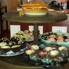 ... and more cakes again.
