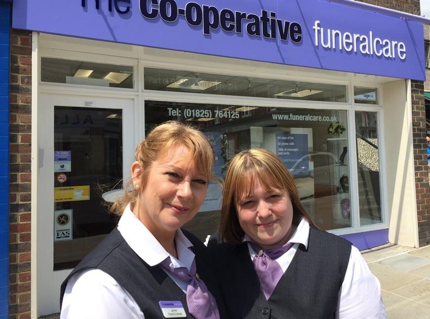 co-operative-funeralcare-nicola-white-jan-pink