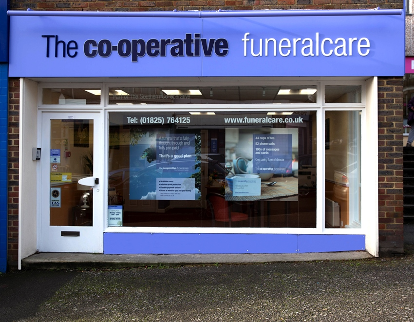 co-operative-funeralcare-shop-uckfield