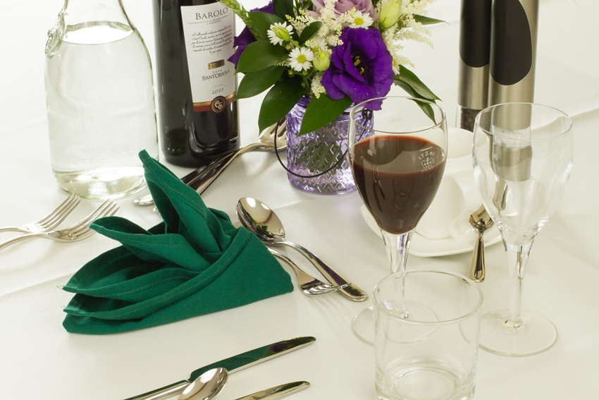 weald-event-hire-place-settings-2