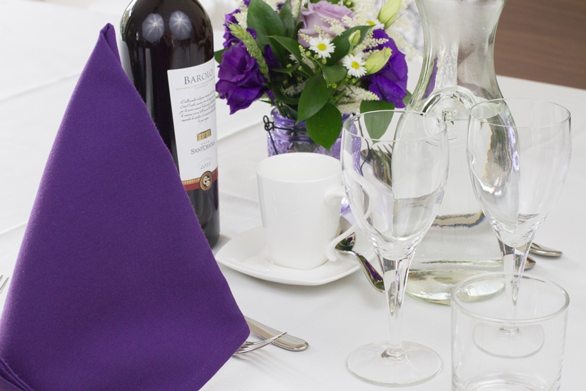 weald-event-hire-place-settings-4