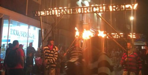 Procession 12