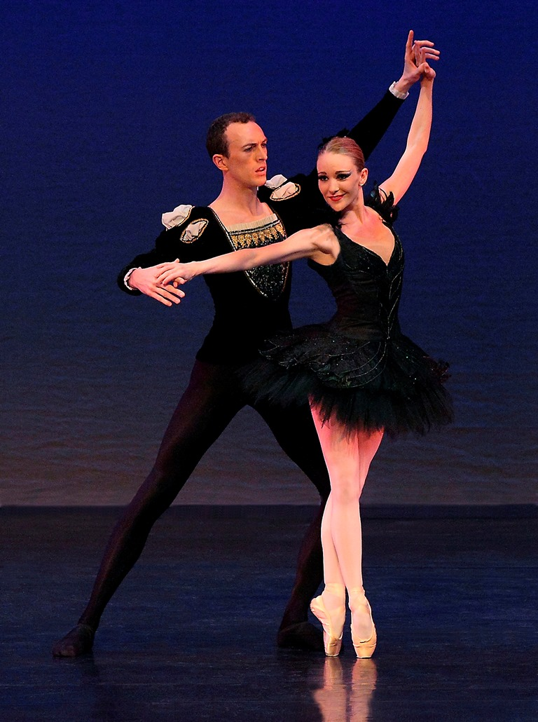 english-youth-ballet-oliver-amy