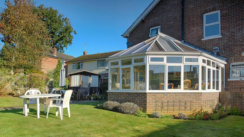 abbeyfield-crowborough-back-garden