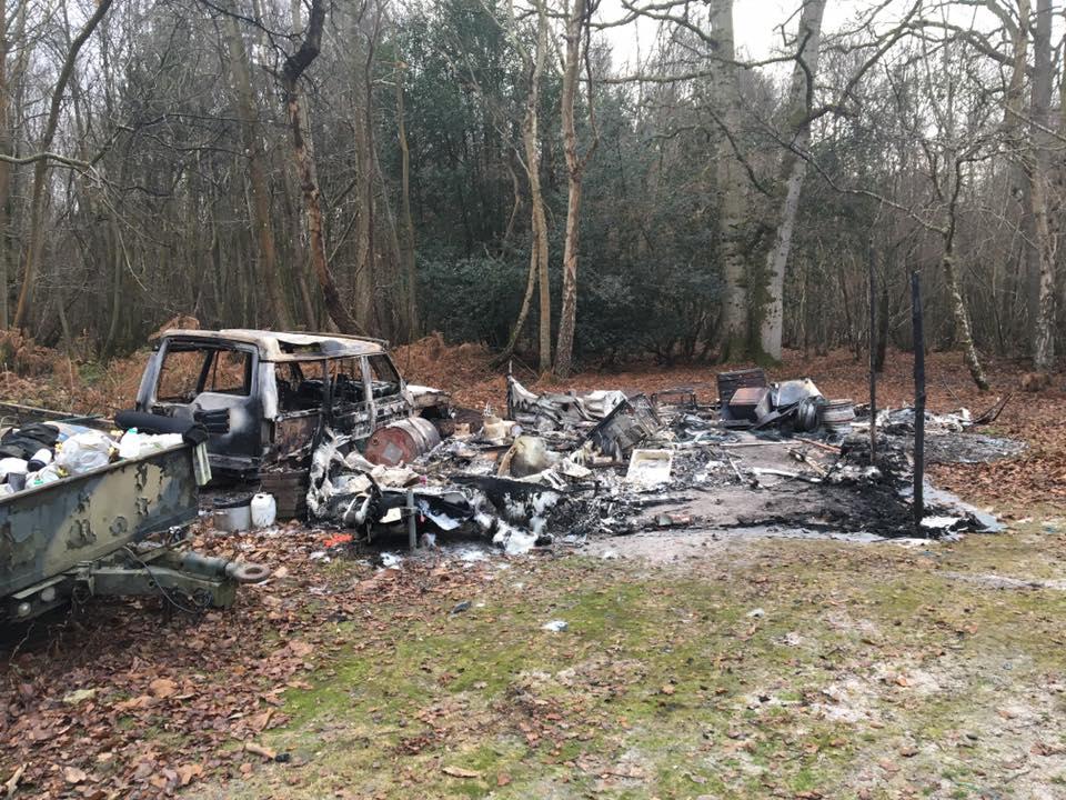 caravans-landrover-arson-2