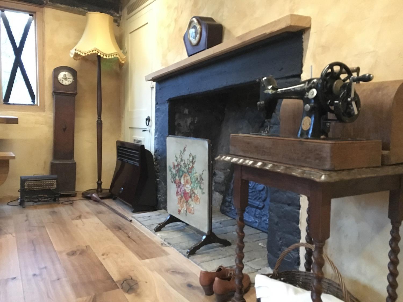 bridge-cottage-WW2-iving-room