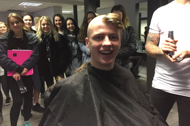 ellis-hunter-head-shave-2