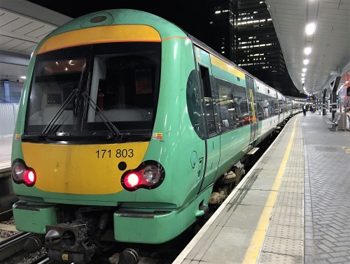 A mid-evening train at London Bridge waiting to leave for Uckfield