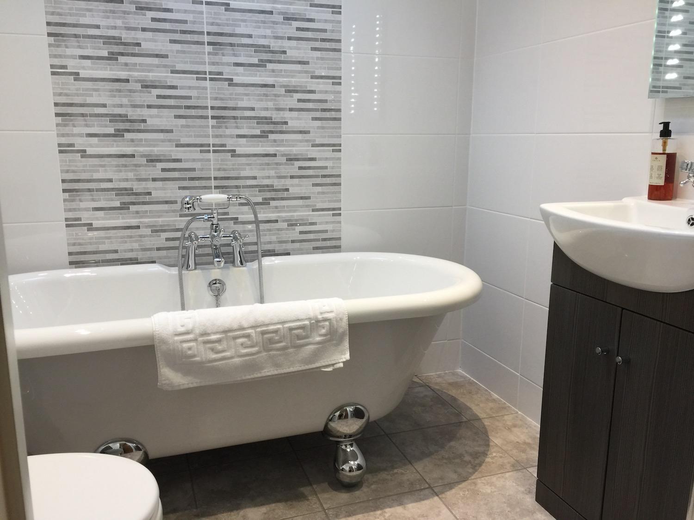 golden-cross-bathroom-2