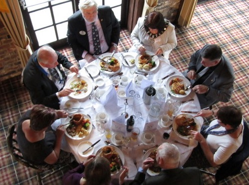 lions-charter-lunch-top-table