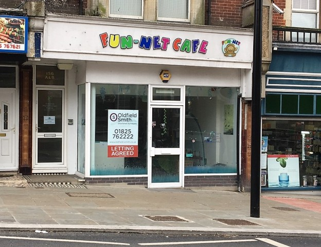 Former Fun-Net Cafe in Uckfield High Street has been let