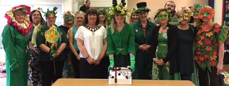 Mrs Dart, Staff & Mayor Louise Eastwood with Celebration Cake