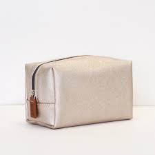 carvills-make-up-bag