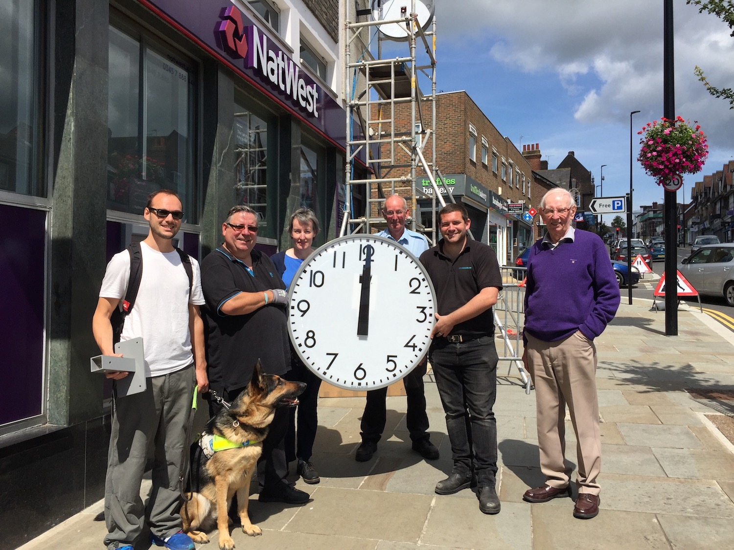 clock-second-face-group-picture
