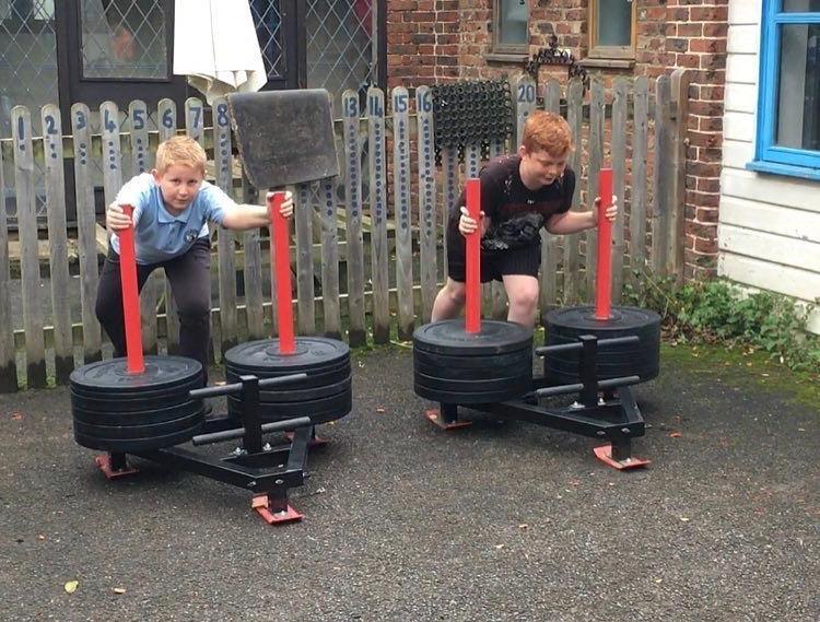paleo-crossfit-pushing-weight