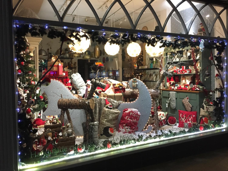 christmas-window-carvills