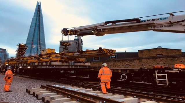 london-bridge-track-laying