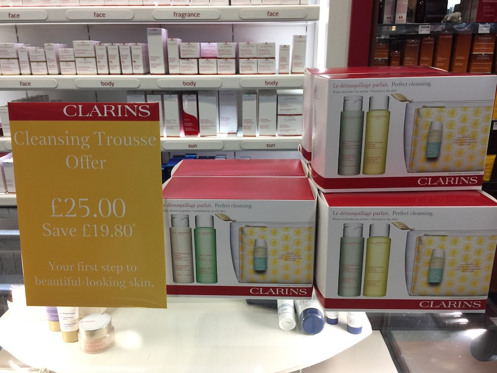 kamsons-clarins-trousse