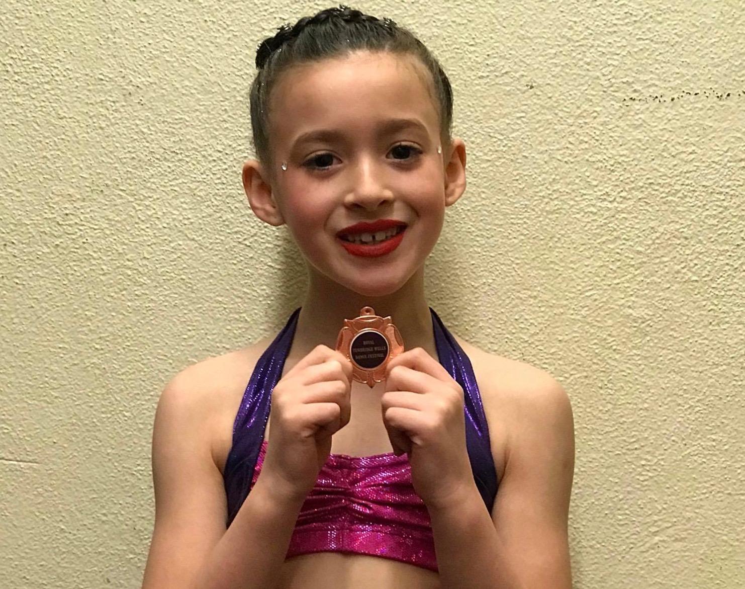 debs-dancers-mia-azerkane-87-marks-3rd-place-choreo-laura-farley-tunbridge-wells (1)