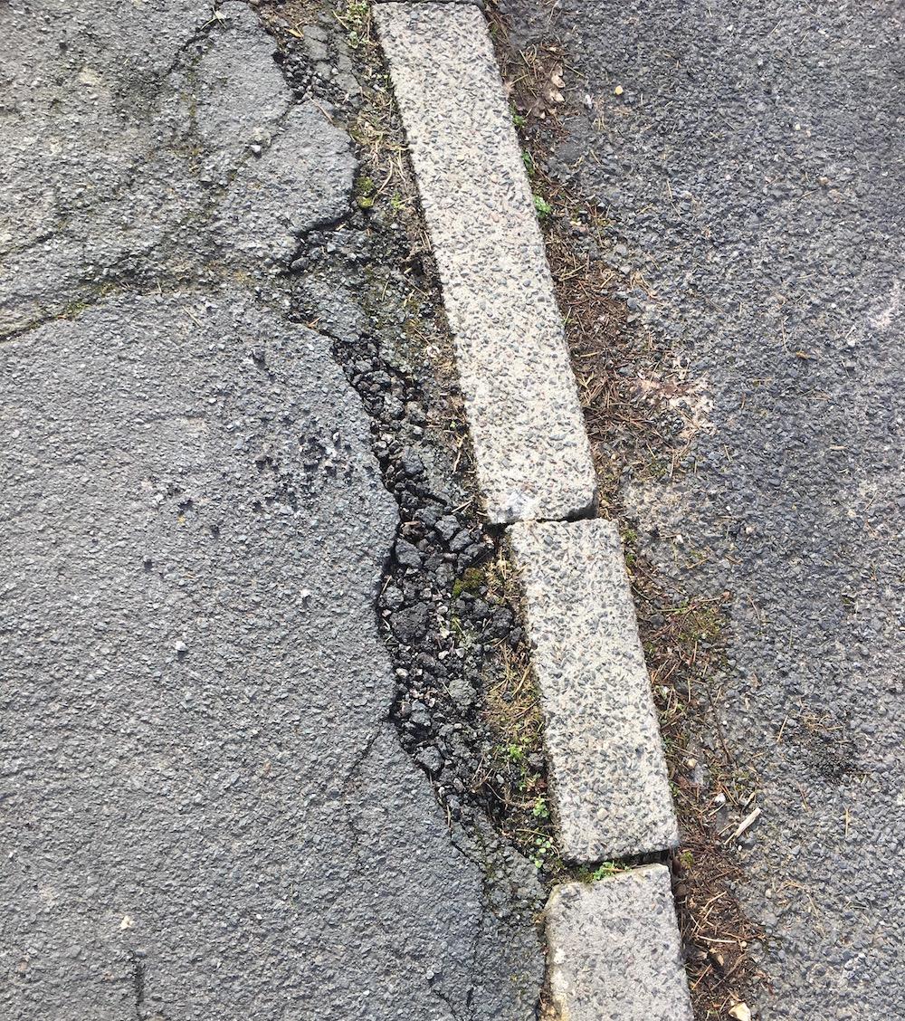 oaklea-way-kerb