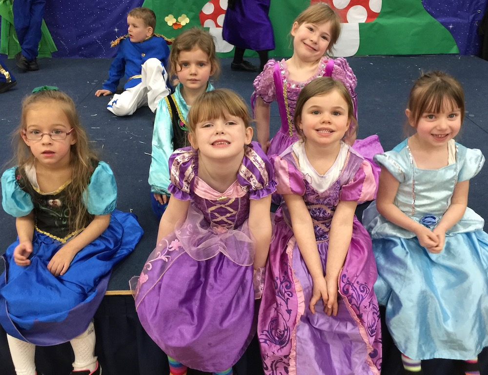 manor-primary-princesses