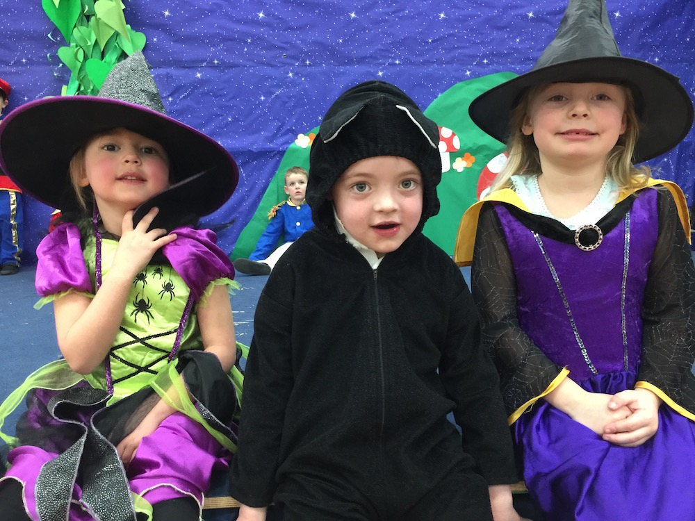 manor-primary-witches-and-cat