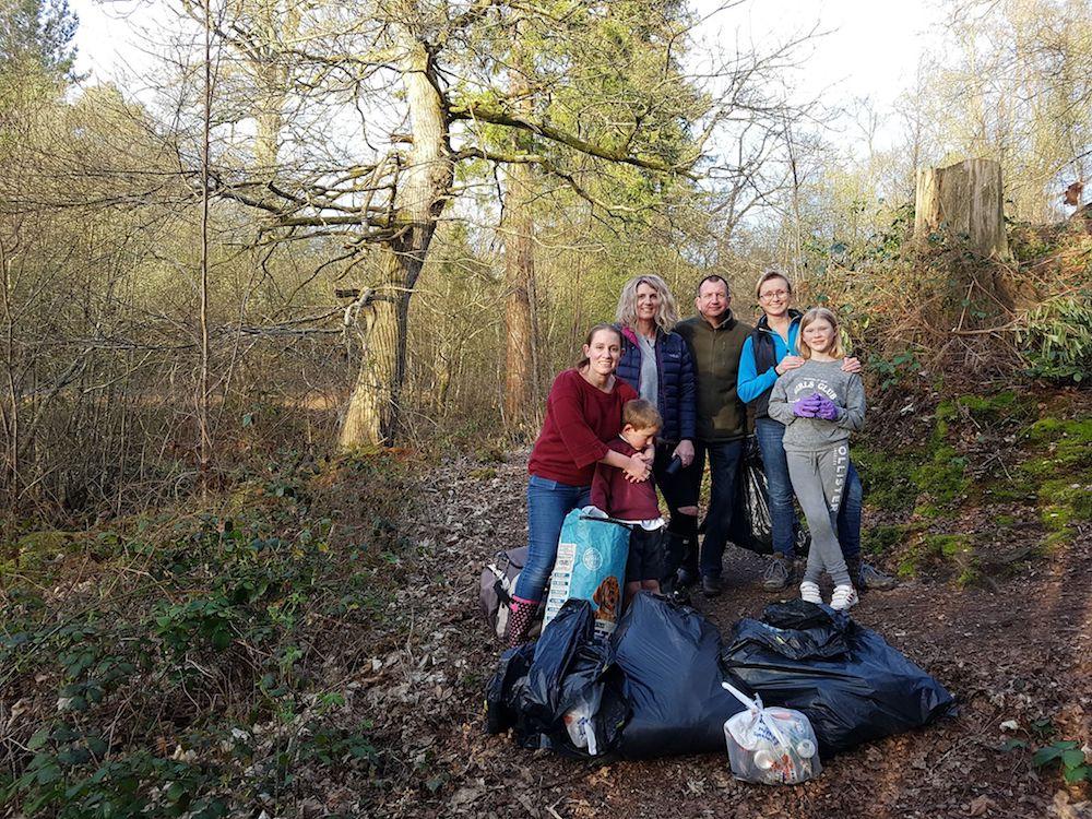 lake-wood-clean-up-volunteers