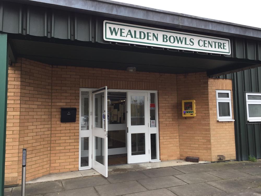wealden-bowls-centre-entrance