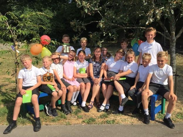 framfield-school-jacqueline-davies-buddy-bench