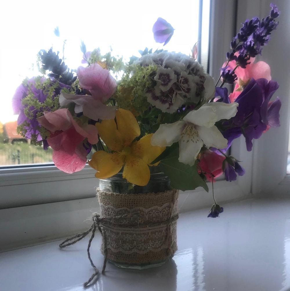newick-school-event-flowers