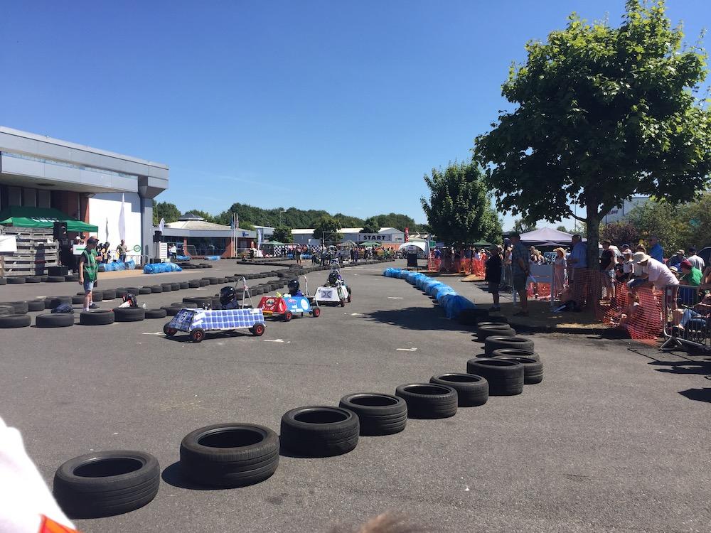 uckfield-grand-prix-first-corner