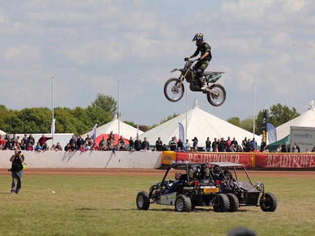 stannage-international-stunt-team-un