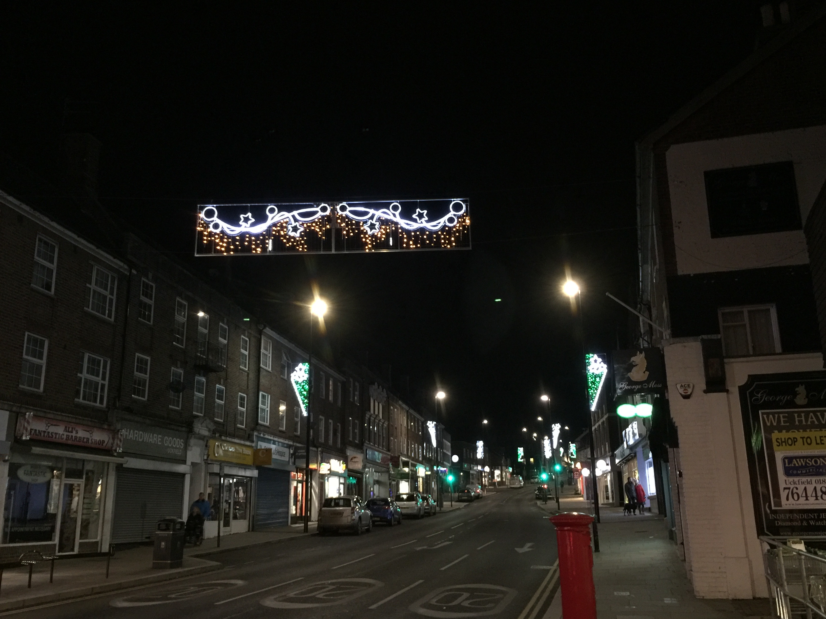 Uckfield Looks Festive As Late Night Shopping Date