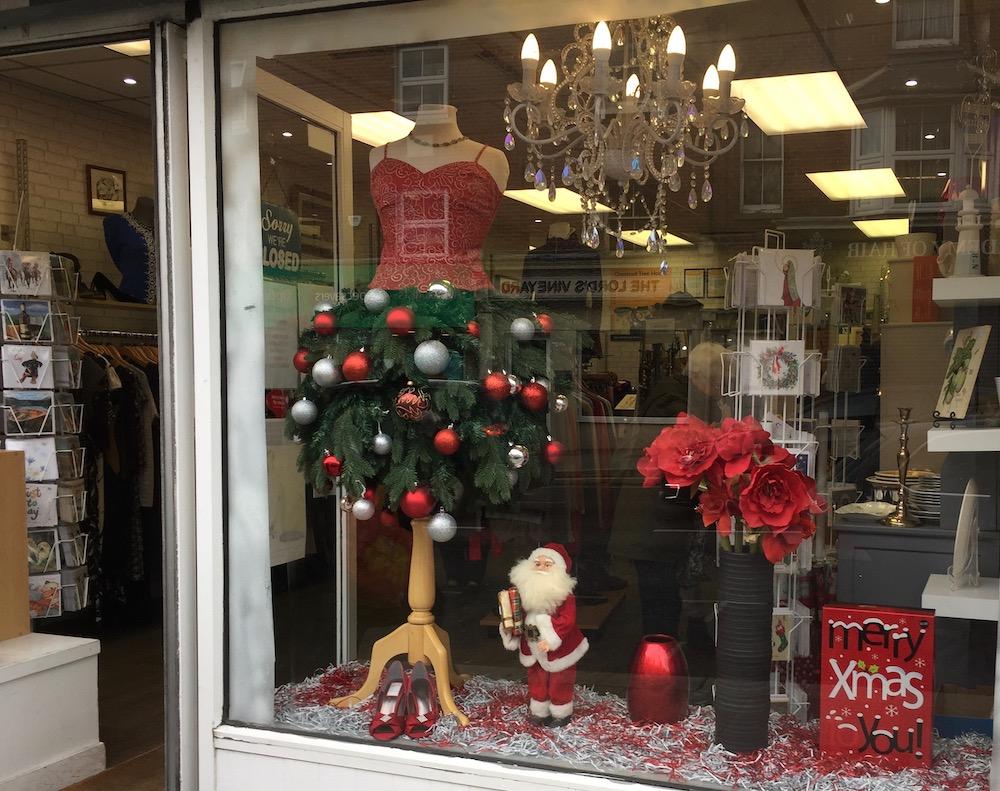 chestnut-tree-christmas-window
