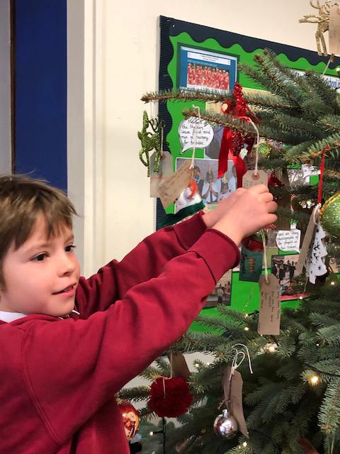 holy-cross-christmas-tree-5
