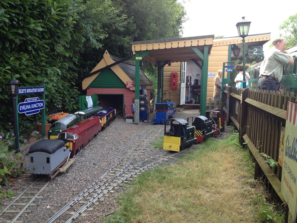lavender-line-rileys-miniature-railway