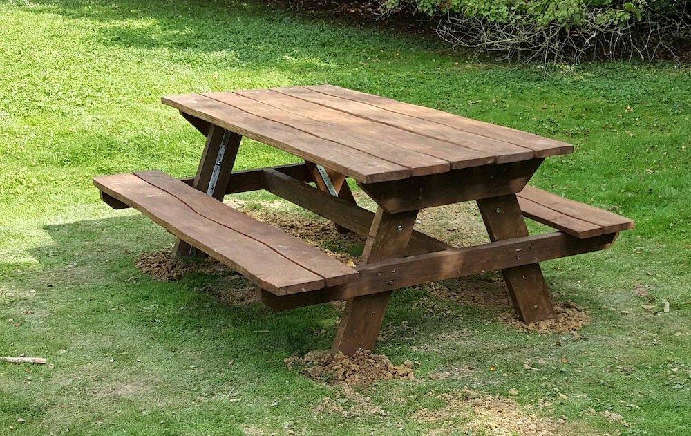 millennium-green-picnic-table-before-fire