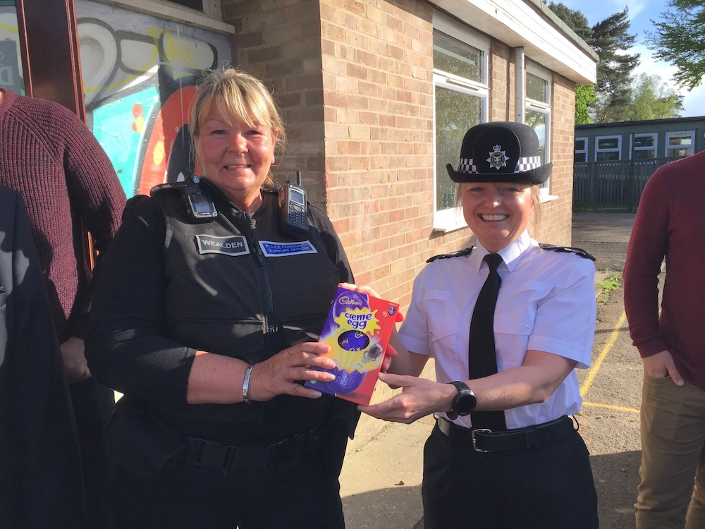 uckfield-youth-club-pcso-sue-choppin-ch-insp-anita-turner