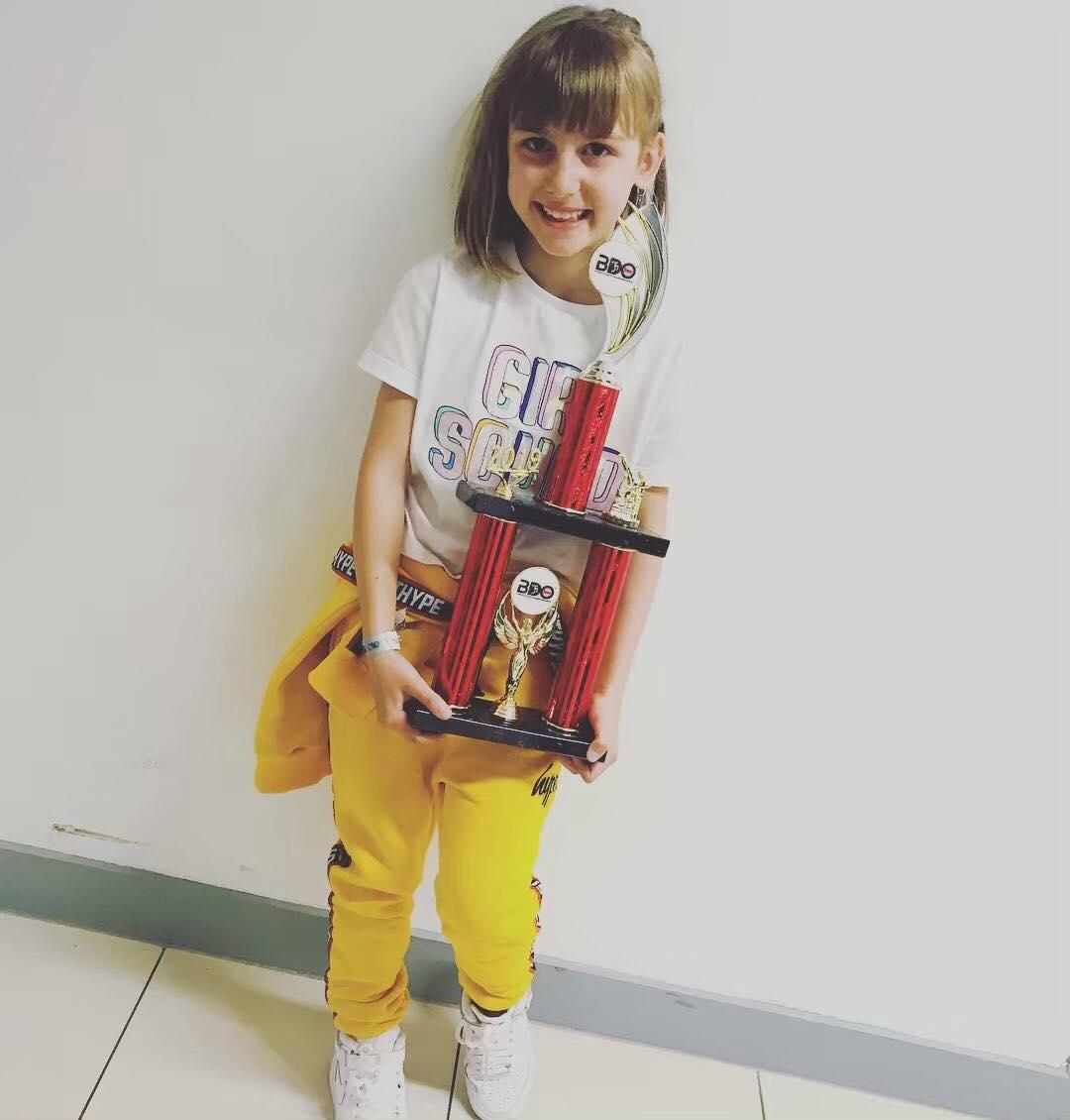 universal-dance-meg-trophy