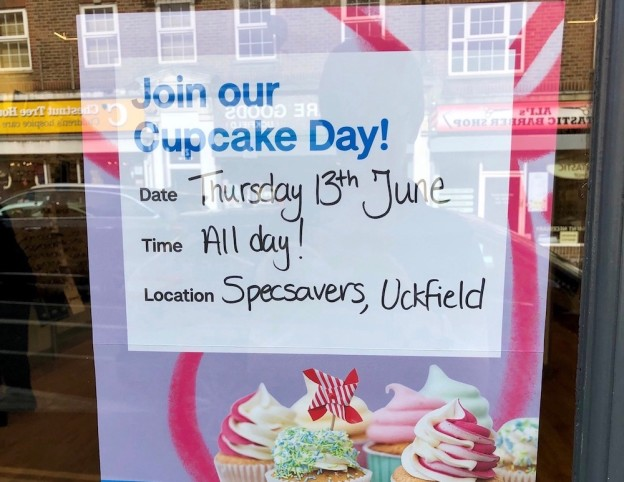 specsavers-cupcake-day