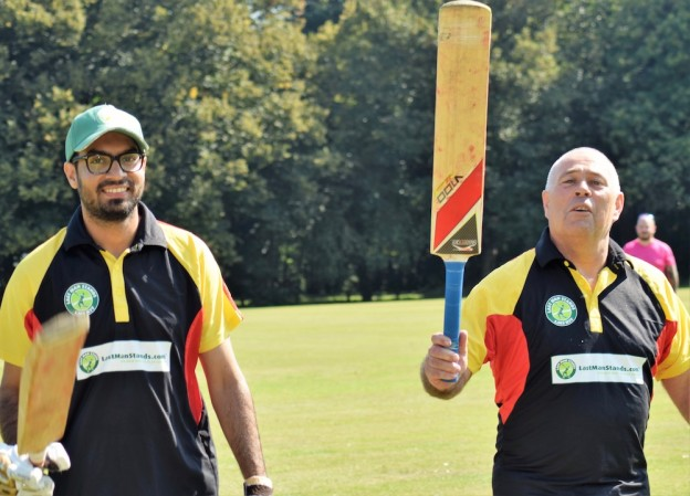 nutley-cricket-club-anniversary-karim-iqbal-colin-parsons-reunited-un