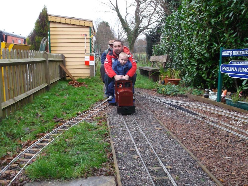 lavender-line-rileys-miniature-railway-2